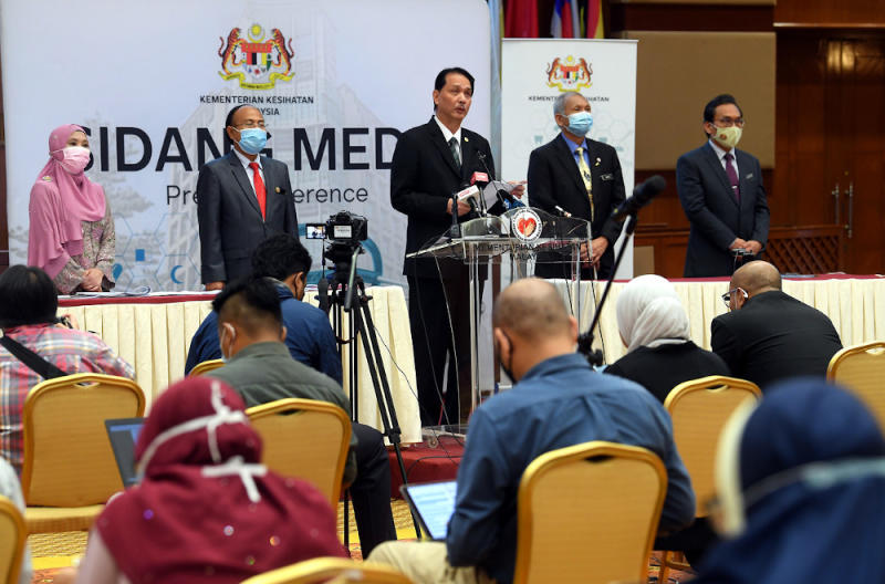 Dr Noor Hisham said with the rising number of cases in Bangau-Bangau, roadblocks have been tightened and intensified to control the movement in and out of these red zones. — Bernama pic