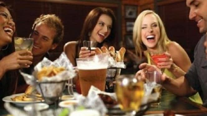 Warga Inggris Dapat Diskon 50 Persen Makan di Restoran Hingga Agustus