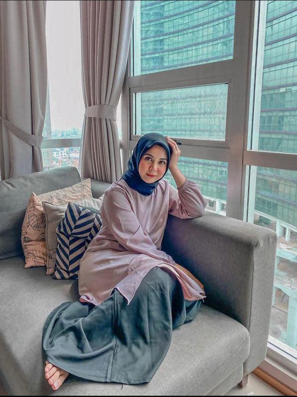 Potret Cantik Kesha Ratuliu Pakai Gamis. (Sumber: Instagram/kesharautuliu05).