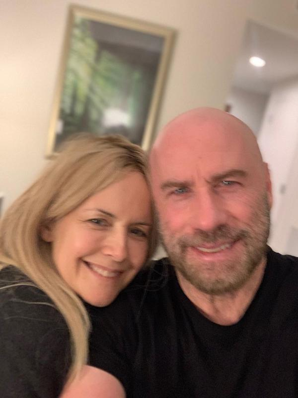 Terlihat dari foto-foto di akun Instagramnya, pasangan John Travolta dan Kelly memang selalu terlihat harmonis. Tentu menjadi hal yang berat ketika kini Kelly telah pergi untuk selamanya. Rasa duka tersebut diungkap John dalam unggahan di akun Instagramnya. (Instagram/johntravolta)