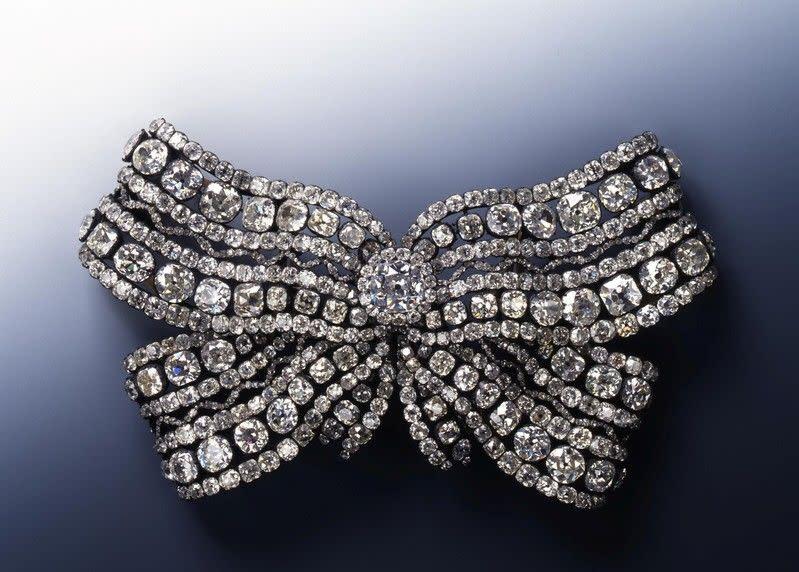 Polisi Jerman yang bingung tawarkan hadiah untuk petunjuk perhiasan curian