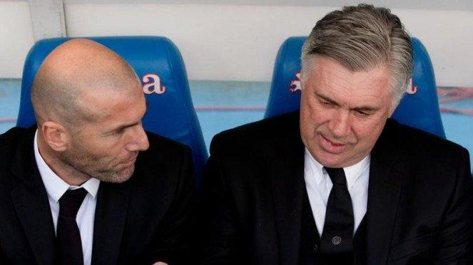 Zinedine Zidane (kiri) dan Carlo Ancelotti (kanan)