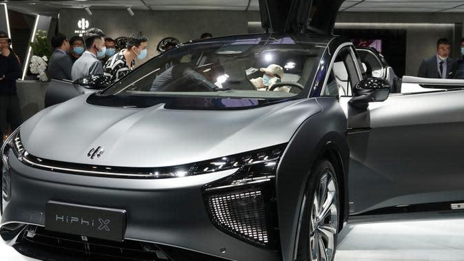 Kendaraan energi baru dari HiPhi dipamerkan dalam Pameran Otomotif Internasional Beijing 2020 di Beijing, China, 29 September 2020. Sebanyak 785 mobil tahun ini ditampilkan di Pameran Otomotif Internasional Beijing atau Auto China 2020. (Xinhua/Ding Hongfa)