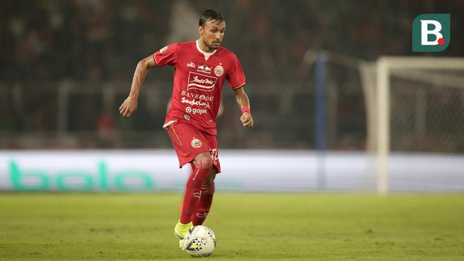 Rohit pertama kali bergabung ke Persija Jakarta pada 2013. Gelandang berusia 28 tahun ini memutuskan untuk pindah ke Malaysia pada 2015 dan kembali ke pelukan tim ibu kota pada 2017. (Bola.com/Yoppy Renato)