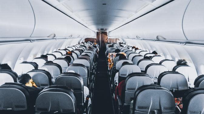 Ilustrasi kabin pesawat terbang. (dok. pexels.com/Sourav)