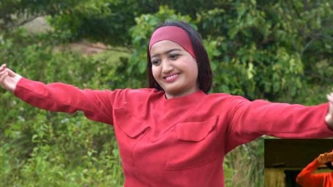 Lina Mukherjee (Foto: YouTube)