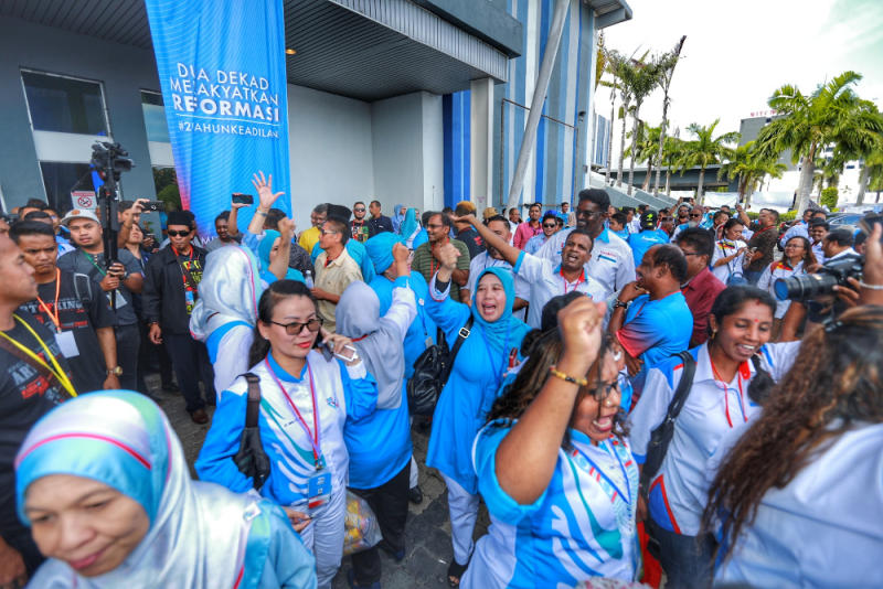 PKR members leave the congress as an act protest at 3pm before the congress ended in Melaka December 7, 2019. — Picture by Ahmad Zamzahuri