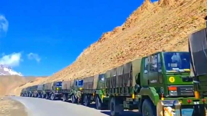 Ribuan Tentara India Dikerahkan ke Perbatasan China, Mau Perang?