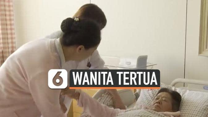 VIDEO: Wanita 67 Tahun Melahirkan Bayi Secara Normal