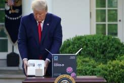 Penelitian: Pengujian virus corona yang dipromosikan Trump mungkin berikan hasil negatif palsu