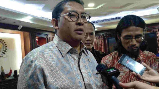 Fadli Zon Usul Menteri Kesehatan Diistirahatkan