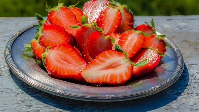 Ilustrasi buah stroberi. Credit: pexels.com/Dana
