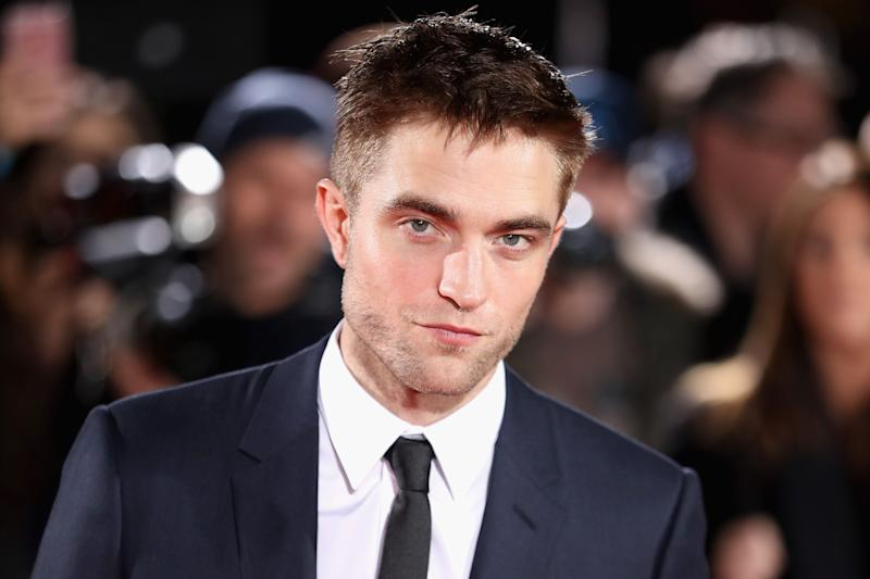 Robert Pattinson Shows Off His Batman Voice - Says 'I'm Batman'