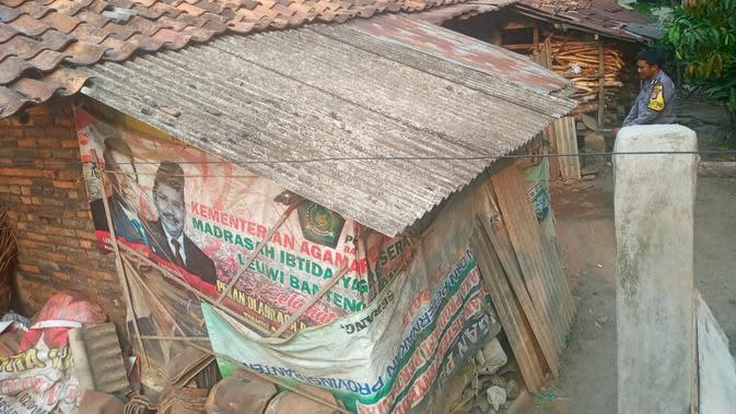Bekas kandang ayam tempat tinggal Sapiah, nenek 90 tahun, di Kampung Cidadap Pasir, Kelurahan Banjarsari, Kecamatan Cipocok, Kota Serang Banten. (Liputan6.com/Yandhi Deslatama)