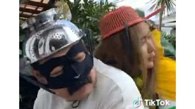 Inul Daratista diceritakan diculik Zorro, yang merupakan Adam Suseno. (https://www.instagram.com/p/CAxEpDLlbq8/)