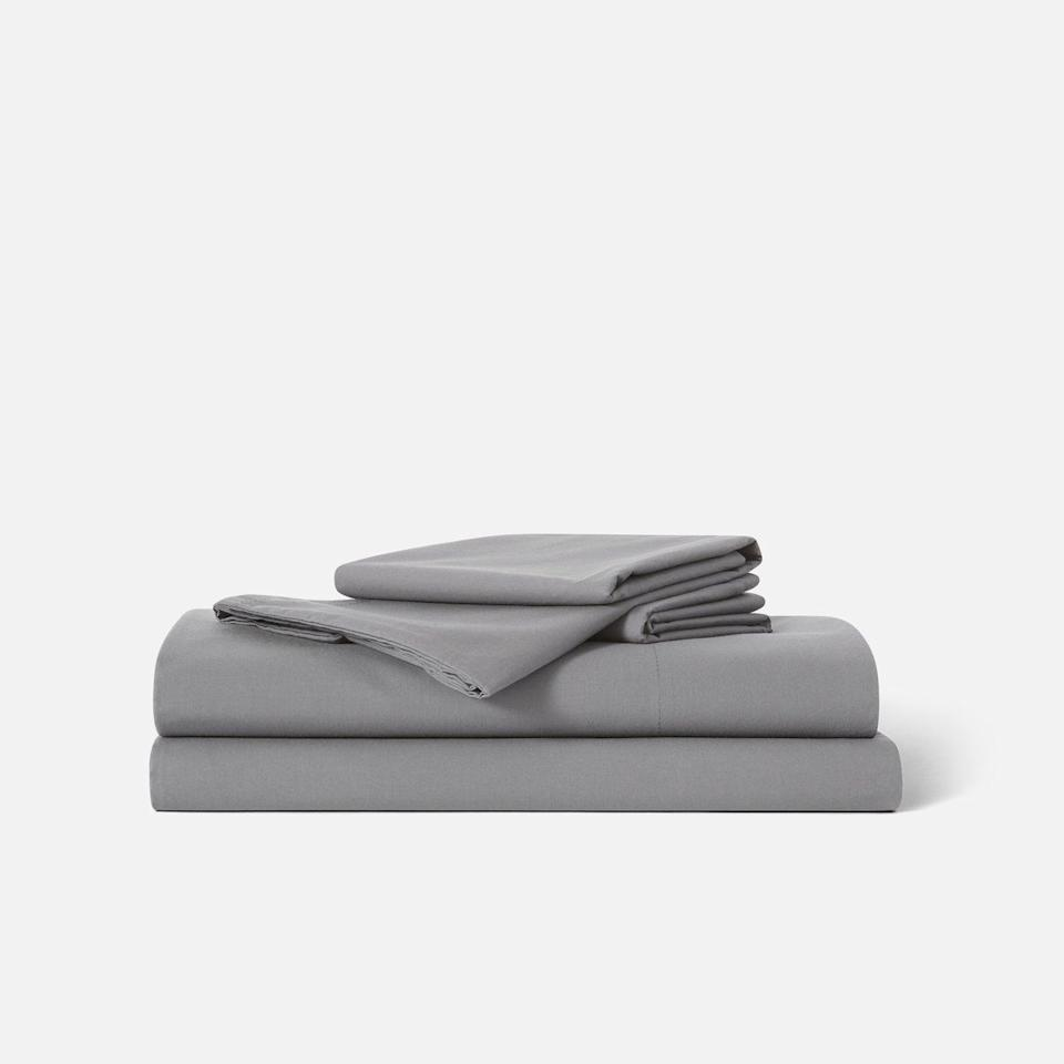 """<p><strong>Brooklinen</strong></p><p>brooklinen.com</p><p><strong>$129.00</strong></p><p><a href=""""https://go.redirectingat.com?id=74968X1596630&url=https%3A%2F%2Fwww.brooklinen.com%2Fproducts%2Fclassic-core-sheet-set&sref=https%3A%2F%2Fwww.housebeautiful.com%2Fshopping%2Fhome-accessories%2Fg25850120%2Fbest-sheets%2F"""" target=""""_blank"""">BUY NOW</a></p><p>Brooklinen's Classic Core sheets are made with 100 percent long-staple cotton and have a breathable 270 thread count (meaning they're great for hot sleepers!) Plus, you can try them out for a whole year, and they come with a lifetime warranty.</p>"""
