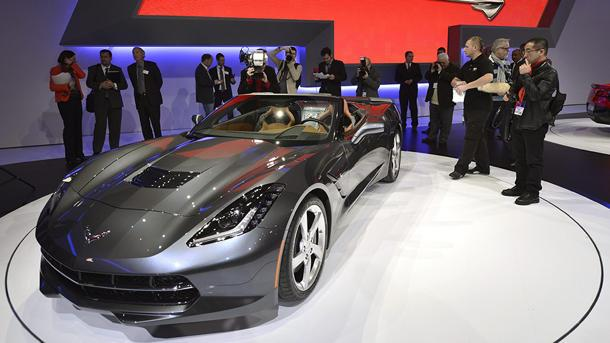 Chevy Corvette Stingray convertible touts its top-dropping speed