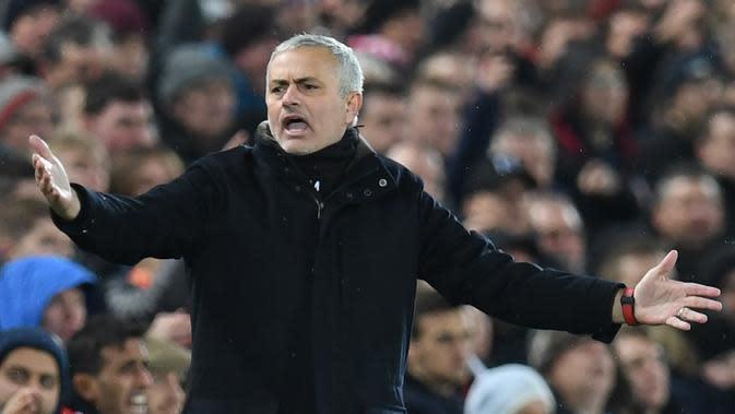 Jose Mourinho ketika masih menangani Manchester United. (Foto: PAUL ELLIS / AFP)