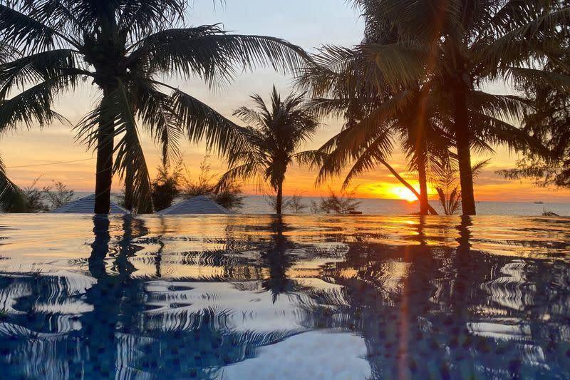 Vietnam menawarkan harga murah untuk memikat wisatawan lokal setelah virus corona