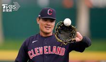 臺灣野手第一人 張育成「笑臉」迎開幕先發
