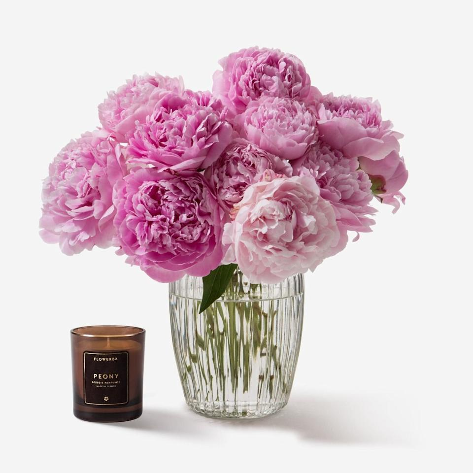 "<p>Based in London, <a href=""https://www.flowerbx.com/us/"" target=""_blank"">FlowerBx</a> is the fashion industry's favorite florist, with clients including Louis Vuitton, Dior, and soon, your mom. By cutting out the middle man, they deliver longer-lasting stems directly to their customers in NYC and the northeast United States. </p><p><strong>Our Pick?</strong> Little Kiss Gerbera Daisy, $115; flowerbx.com</p><p><a class=""body-btn-link"" href=""https://go.redirectingat.com?id=74968X1596630&url=https%3A%2F%2Fwww.flowerbx.com%2Fus%2Flittle-kiss-gerbera-daisy&sref=https%3A%2F%2Fwww.elle.com%2Ffashion%2Fshopping%2Fg31899766%2Fbest-flower-delivery-service%2F"" target=""_blank"">SHOP NOW</a></p>"