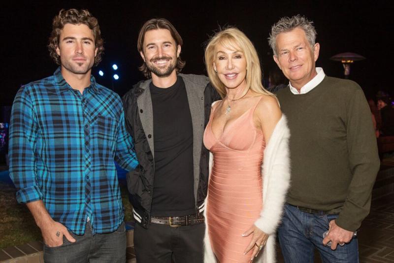 Brody Jenner, Brandon Jenner, Linda Thompson and David Foster | Chelsea Lauren/WireImage