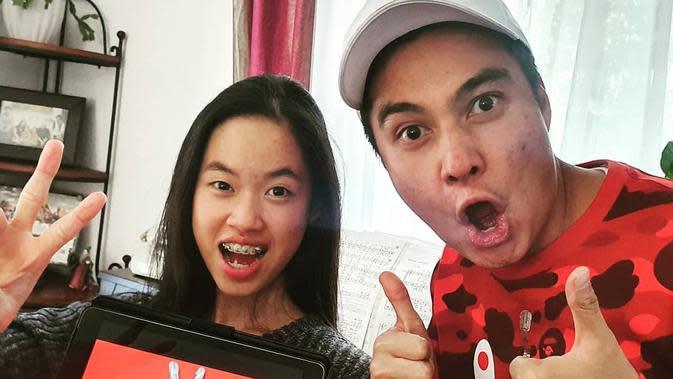 Baim Wong dan Claudia Emmanuela Santoso. (dok. instagram.com/baimwong/https://www.instagram.com/p/B4tMSCiHZeI/Novi Thedora)