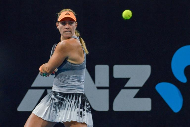 Angelique Kerber retired injured in the second set