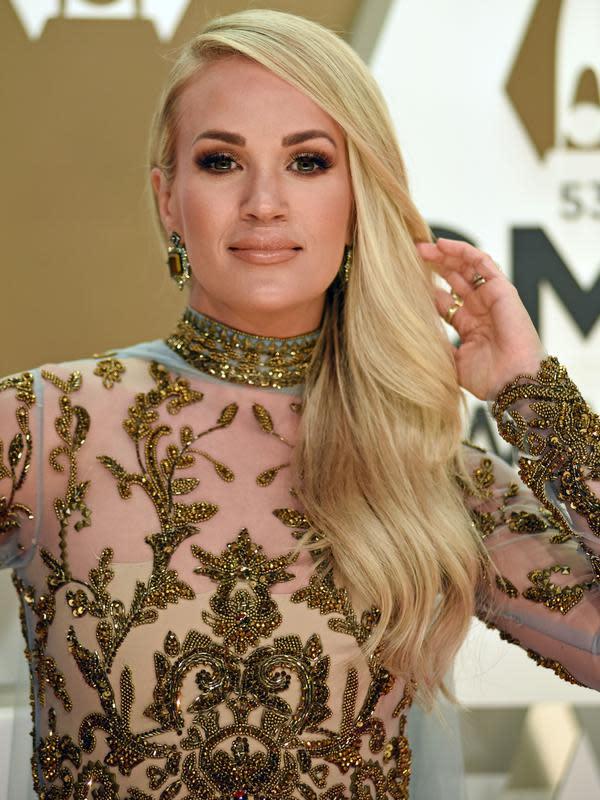Carrie Underwood di CMA Awards 2019 (FOTO: Splashnews)