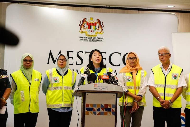 Minister of Energy, Science, Technology, Environment and Climate Change Yeoh Bee Yin (centre) speaks during a press conference after a site visit to the North Butterworth Container Terminal in Penang January 20, 2020.