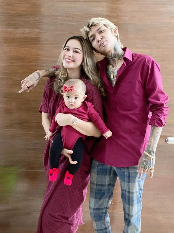 Young Lex dan Istri Asuh Baby Zaenab (Sumber: Instagram/eriskanakesya)