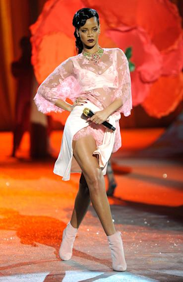 2012 Victoria's Secret Fashion Show - Performance