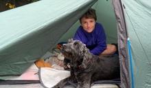 10歲弟連睡帳篷2百天 原因超催淚