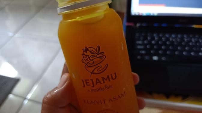 Kunyit asam, salah satu varian Jejamu fresh delivery. (Liputan6.com/Dinny Mutiah)