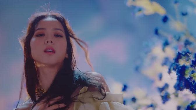 Jisoo BLACKPINK di MV Lovesick Girls (YouTube BLACKPINK)