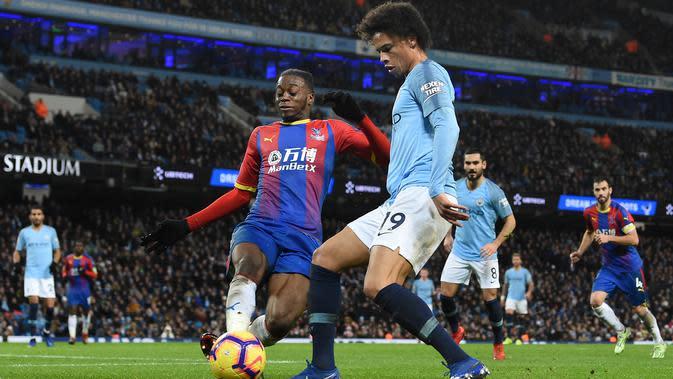 5. Aaron Wan-Bissaka - Pada Juni 2019 didatangkan dari Crystal Palace dengan harga 50 juta poundsterling. (AFP/Paul Ellis)
