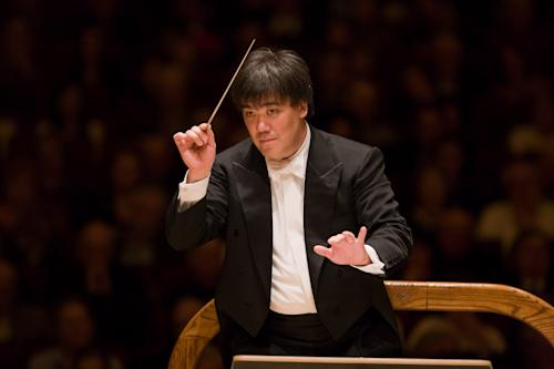 FILE - In this Nov. 14, 2008 file photo, Alan Gilbert leads the New York Philharmonic in during a performance at Carnegie Hall in New York. The New York Philharmonic announced on Wednesday, Oct. 24, 2012, that Gilbert's contract as music director will be extended through the 2016-2017 season. (AP Photo/New York Philharmonic, Chris Lee, File) NO SALES
