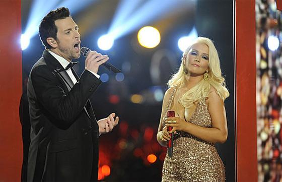 "Rice Dream: Chris Mann & Christina Aguilera's ""Blower's Daughter"" Duet"