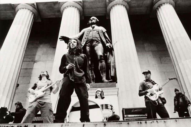 Rage Against The Machine tunda konser reuni sampai 2021