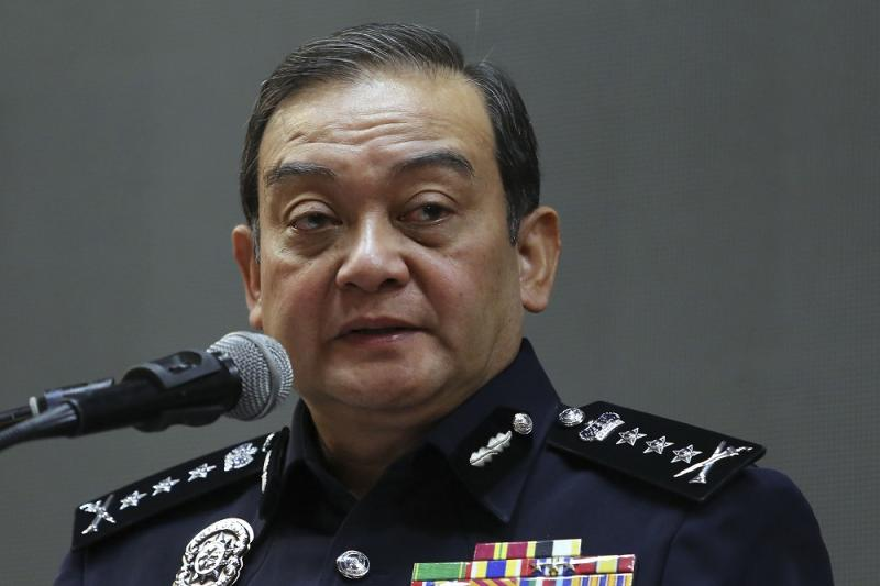 Selangor police chief commissioner Datuk Mazlan Mansor speaks during a press conference at the Selangor Contingent Police headquarters in Shah Alam September 19, 2018. — Picture by Yusof Mat Isa