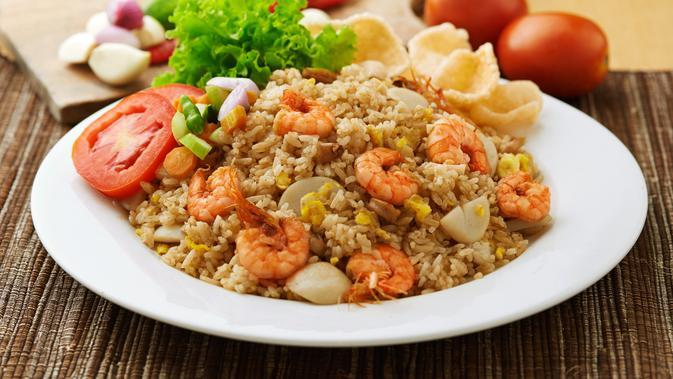 ilustrasi Nasi Goreng Seafood/copyright by By Fierman Much from Shutterstock