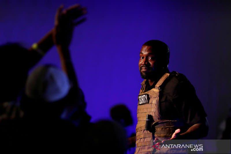 Kanye West dapat nominasi musik gospel pertama