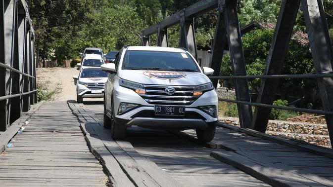 Buktikan Kualitas, Daihatsu Genuine Parts Disiksa di Jalanan Indonesia