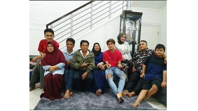 Keluarga Lesty Kejora dan Rizky Billar (Sumber: Instagram/ayah_kejora)