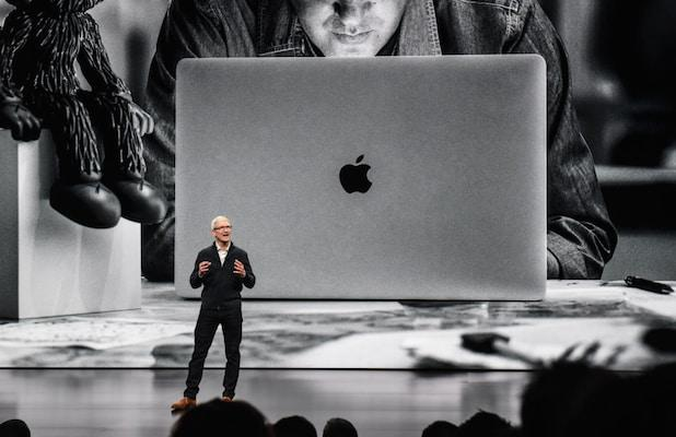 Apple Gives Tim Cook $38 Million to Stay CEO Through 2025