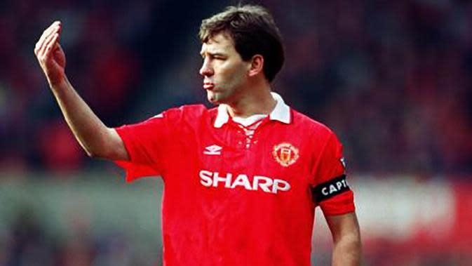 Bryan Robson (1982-1994), mungkin banyak pemain MU lain yang meraih gelar lebih banyak dari yang dihasilkan gelandang asal Inggris ini. Namun dirinya merupakan simbol inspirasi kebangkitan Setan Merah. (www.whoateallthepies.tv)
