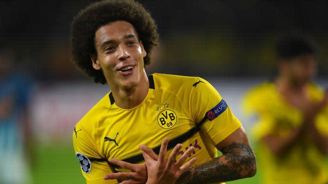 Tak menunggu waktu lama, Witsel kemudian pindah ke Borrusia Dotmund. Keputusan tepat diambil Witsel usai ia tampil impresif membawa Dortmund memuncaki klasemen Bundesliga hingga pecan ke-13. (AFP/Patrik Stollarz)