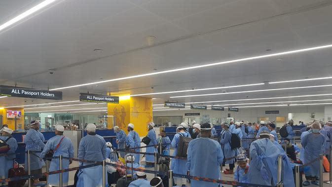 Proses repatriasi 281 WNI terdampak lockdown COVID-19 di India oleh KBRI New Delhi. (Dok: KBRI New Delhi)