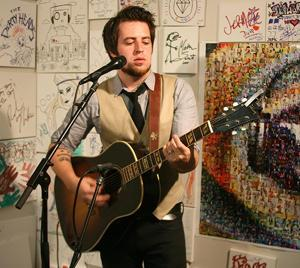 The Rise of Lee DeWyze: Watch the Idol's Comeback Performance