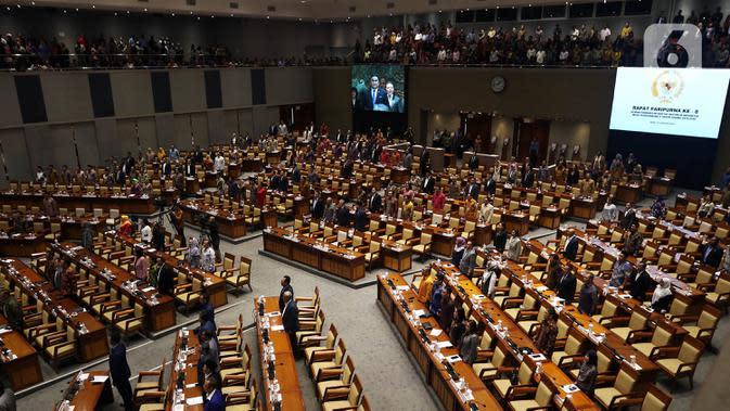 Suasana Rapat Paripurna ke-6 DPR Masa Persidangan I Tahun Sidang 2019-2020 di Kompleks Parlemen Senayan, Jakarta. Rabu (22/1/2020). Salah satu agenda yang dibahas dalam rapat paripurna adalah pengesahan RUU yang masuk Prolegnas prioritas 2020. (Liputan6.com/Johan Tallo)